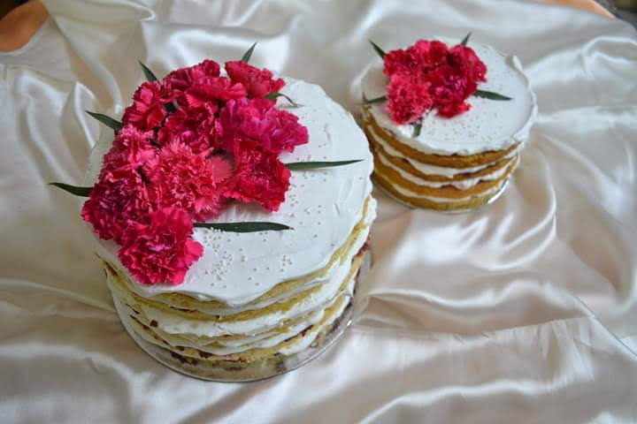 Naked Vanilla Cake with Carnations